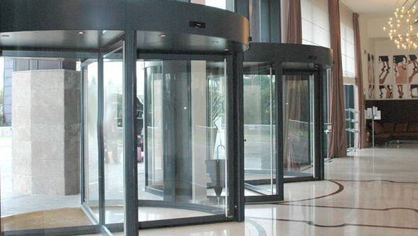 Puertas de cristal giratorias