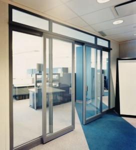 Marcado CE en puertas de cristal automáticas