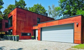 Puertas de garaje de aluminio seccionadas