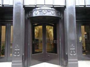 Venta de puertas giratorias en Toledo