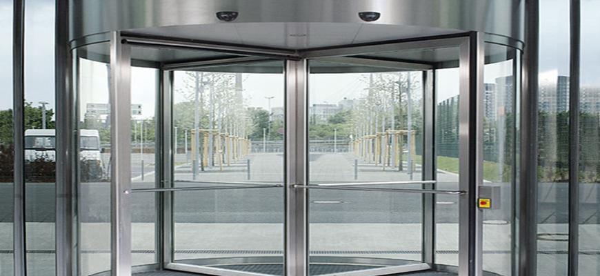 Instalación de puertas giratorias en Madrid