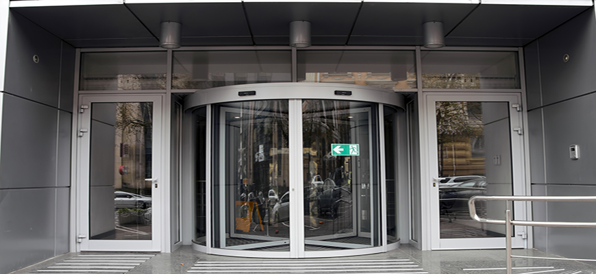 puertas giratorias para hoteles