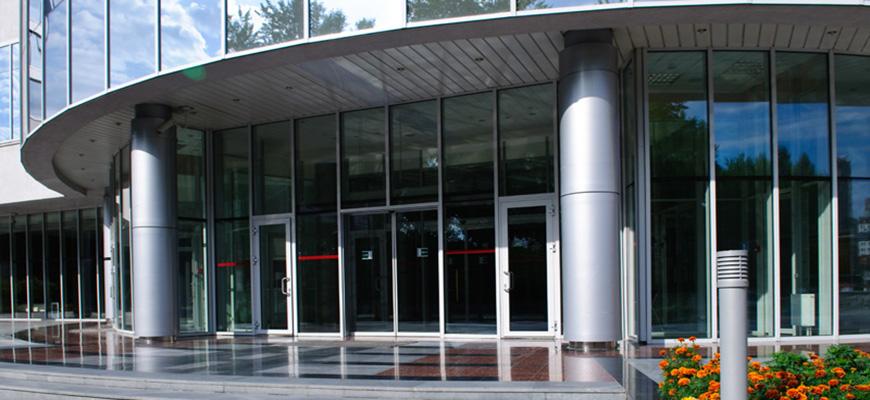 Instalación de puertas de cristal automáticas en Madrid