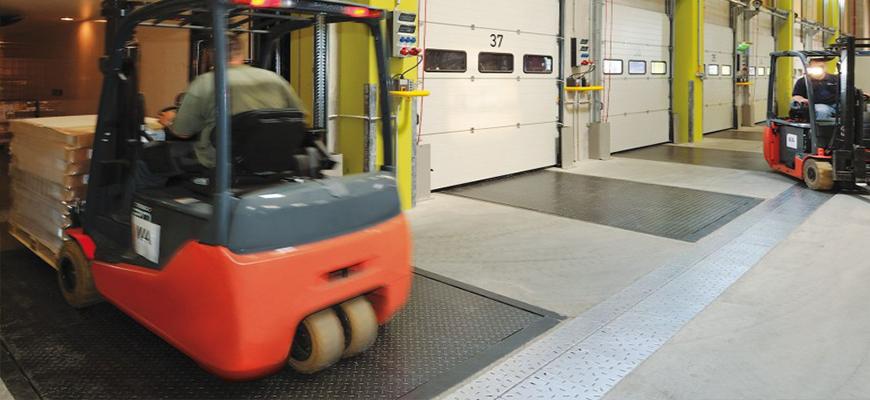 Nuevas rampas niveladoras para puertas industriales
