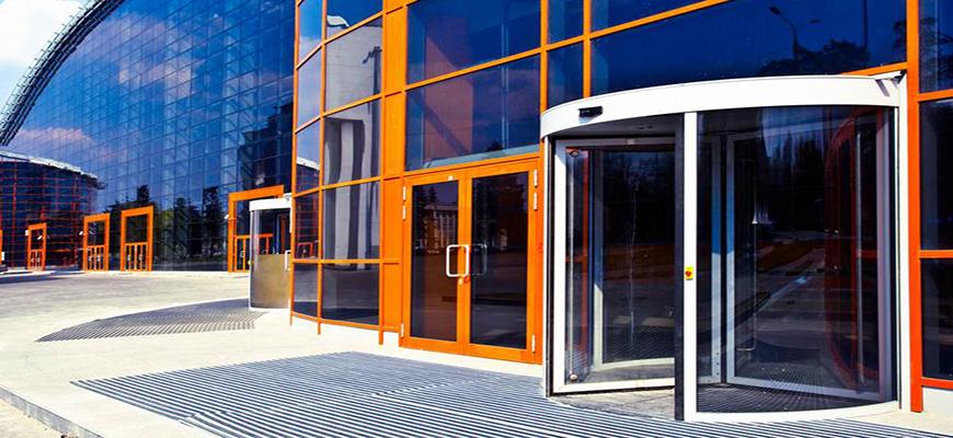 Puertas giratorias para empresas