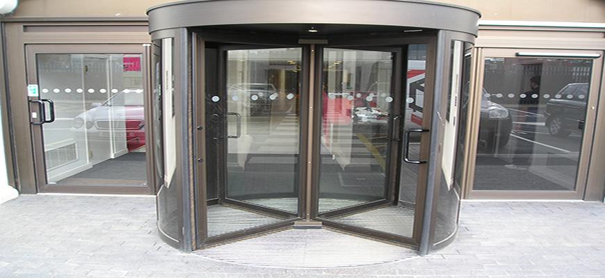 Reparación de puertas giratorias en Madrid