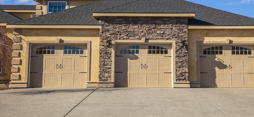 Venta de portones de garaje en toledo puertas de garaje for Portones de garaje